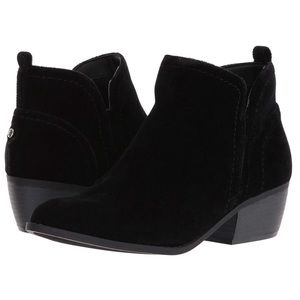 G by Guess Tammie2 velvet booties